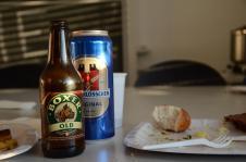 Schweizer Bier. Nein! Vorn' steht sogar Lausanner Bier!